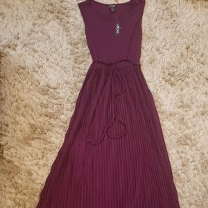 Lord and Taylor Greecan pleated dress